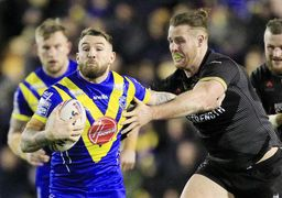 Clark takes on the Wolfpack defence